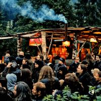 Bölzer-crowd-1